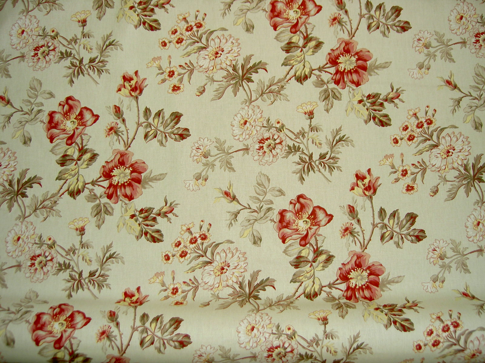 Covington fabrics pattern farrell 73 floral color rose red for Fabric pattern