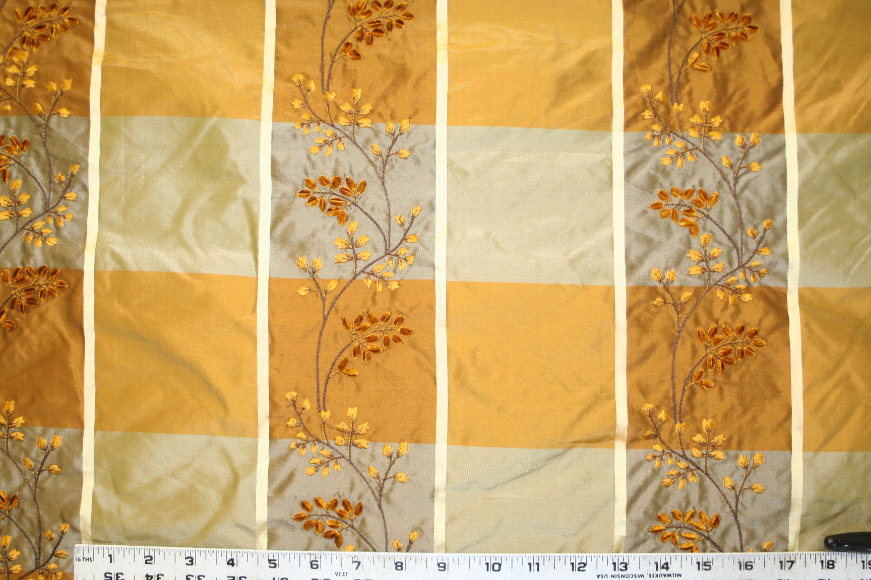 Embroidered Silk Discounted Kavita Textile Pattern Chinese
