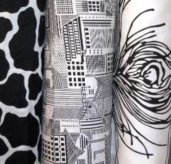 Click for New Black/White Duralee Fabrics In Stock from Suburban Home Fabric - Black & White Prints and Wovens page